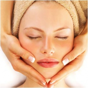 Lowena Beauty and Nails - Facials & Peels